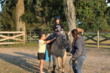 Horses Inspire Local Kids to Read